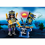 4789 - Samurai with Weapon Stand